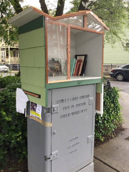 Book_hutch_3.jpg