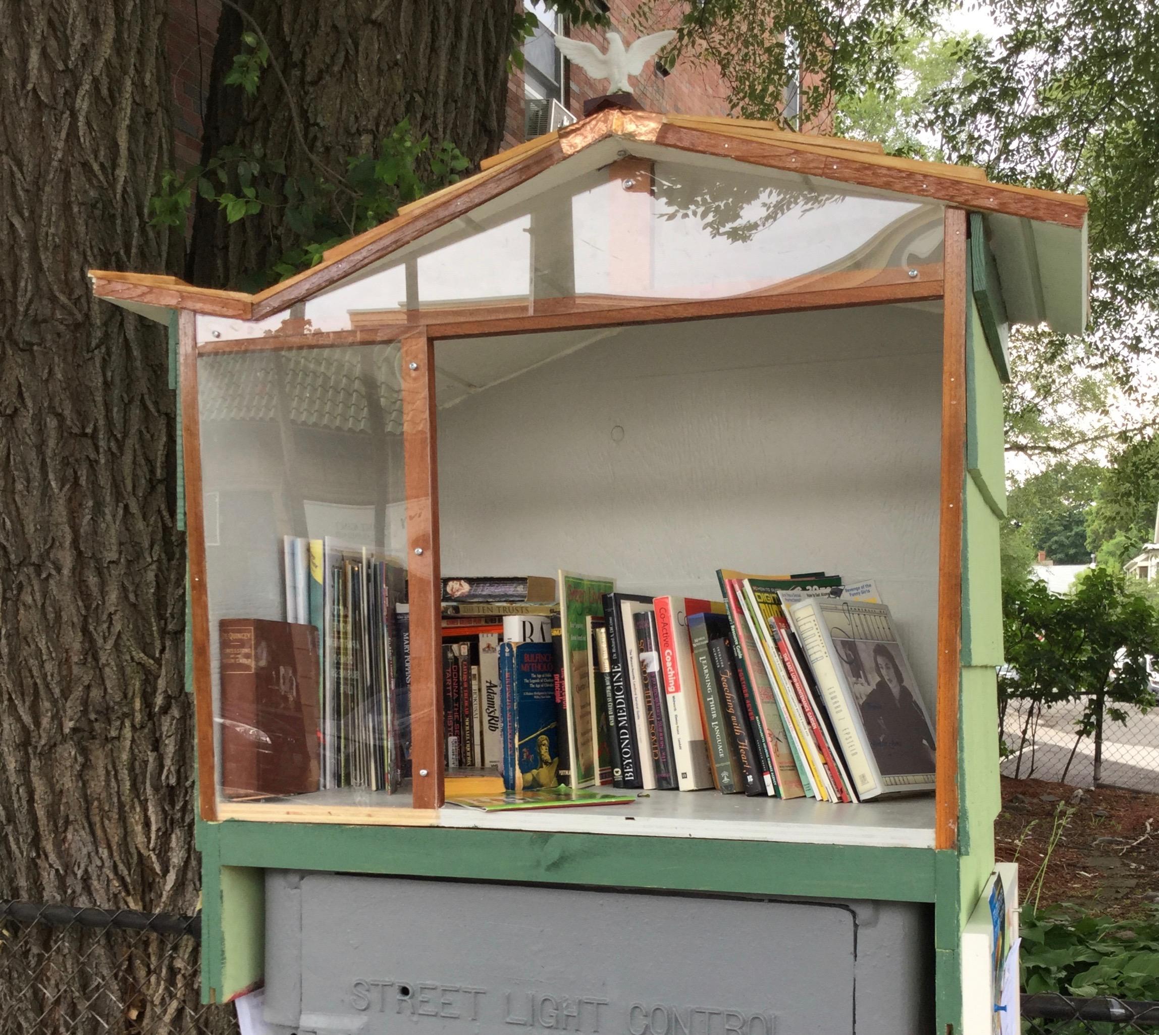 Book_hutch_front.jpg